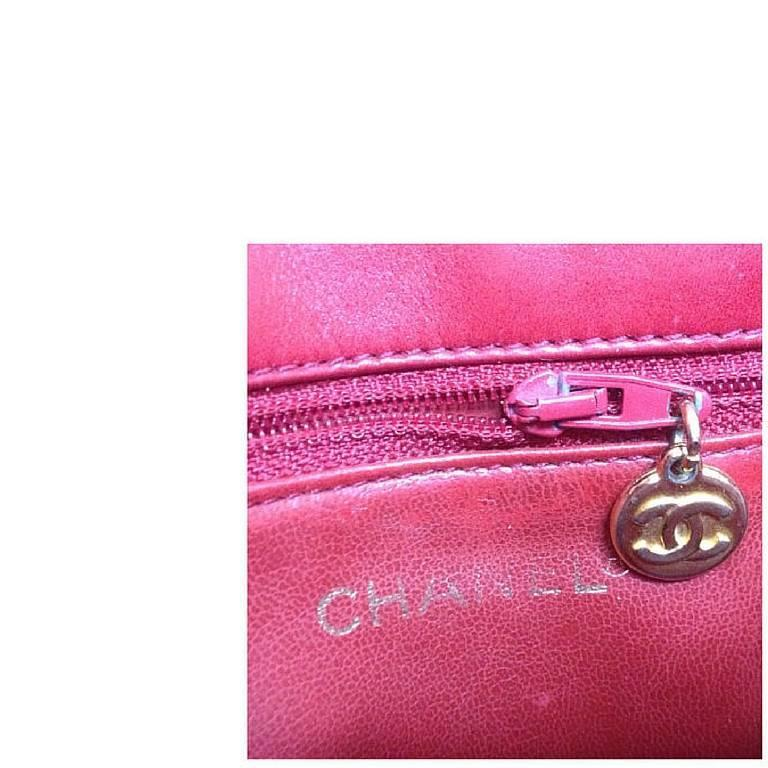 Vintage CHANEL lipstick red lambskin pouch with golden CC closure in chevron V. 6