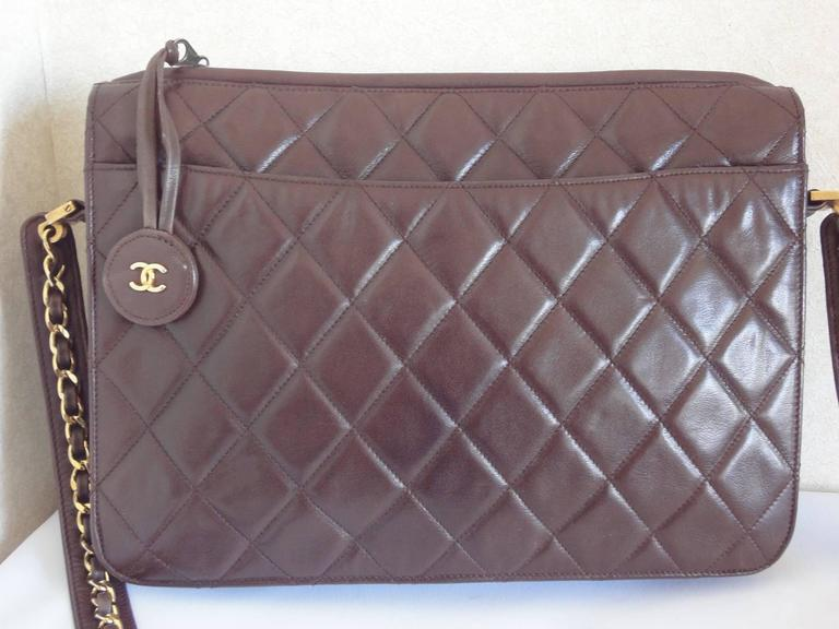 80's vintage Chanel dark brown lambskin shoulder bag with CC motif and chains 3