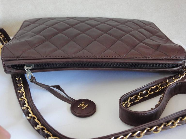 80's vintage Chanel dark brown lambskin shoulder bag with CC motif and chains 5