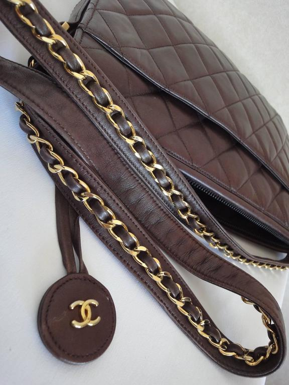 80's vintage Chanel dark brown lambskin shoulder bag with CC motif and chains 6