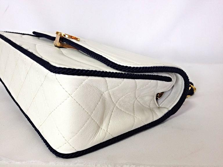 MINT. 80's rare vintage Chanel white 2.55 flap bag with navy rope and gold chain For Sale 1