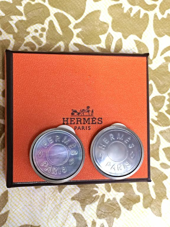 Vintage HERMES silver tone logo genuine shell earrings. Bijouterie Fantaisie 6