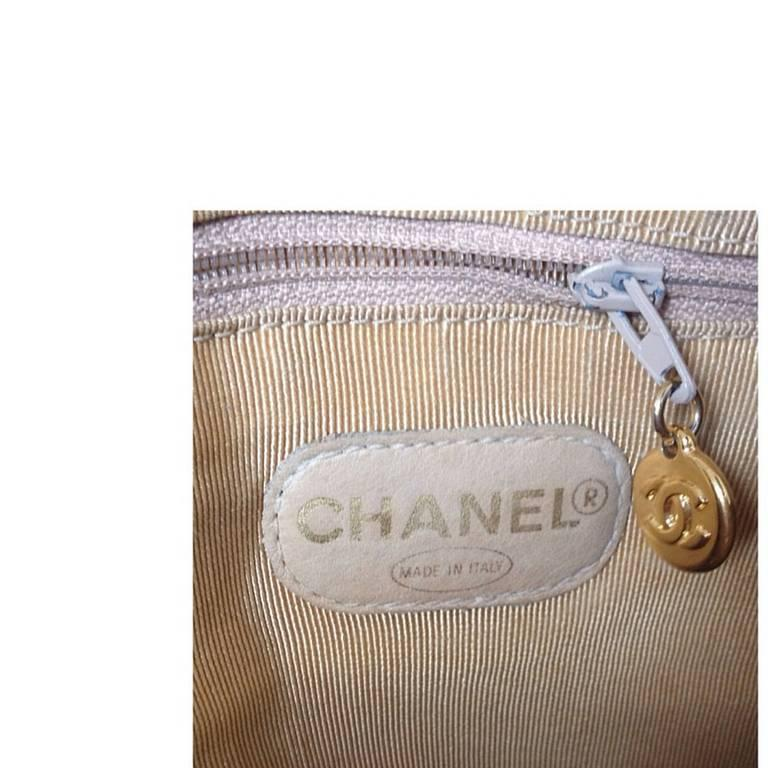 Vintage CHANEL brown beige caviar leather chain tote bag, shoulder purse with CC For Sale 3