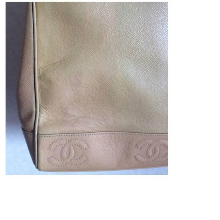 Vintage CHANEL brown beige caviar leather chain tote bag, shoulder purse with CC For Sale 1