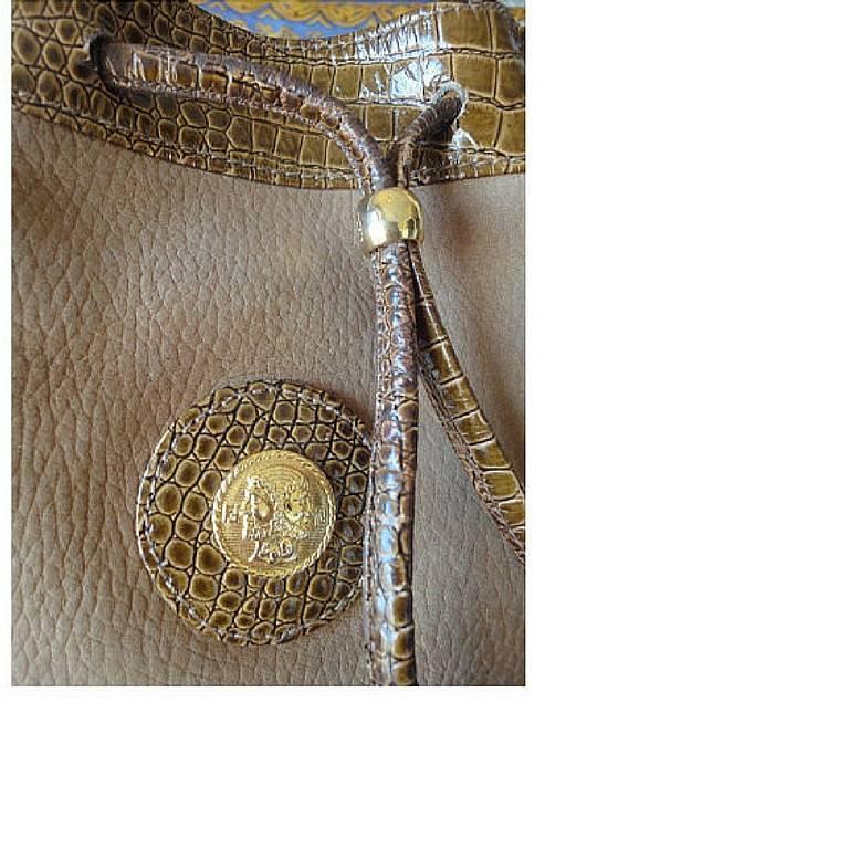 Vintage FENDI tan brown suede leather bucket shoulder hobo bag with Janus motif. 5