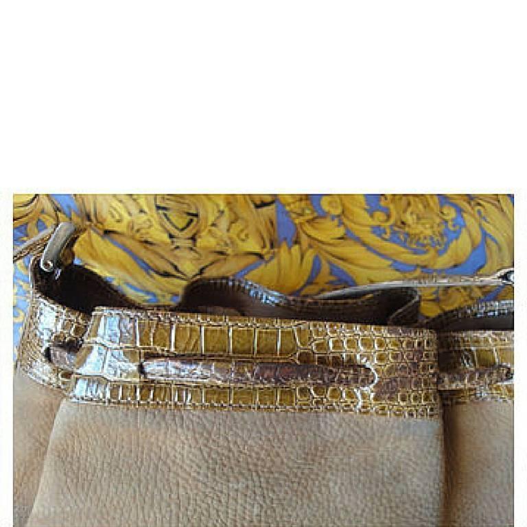 Vintage FENDI tan brown suede leather bucket shoulder hobo bag with Janus motif. 6