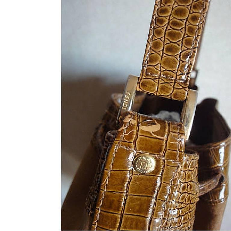 Vintage FENDI tan brown suede leather bucket shoulder hobo bag with Janus motif. 7