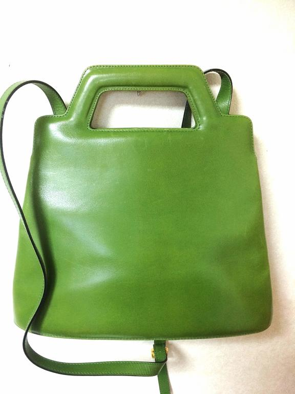 Vintage Salvatore Ferragamo green leather golden gancini trapezoid ...