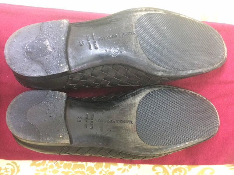 MINT. Vintage Bottega Veneta classic dark brown intrecciato leather shoes. EU38 7