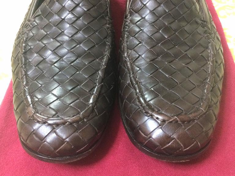 MINT. Vintage Bottega Veneta classic dark brown intrecciato leather shoes. EU38 4