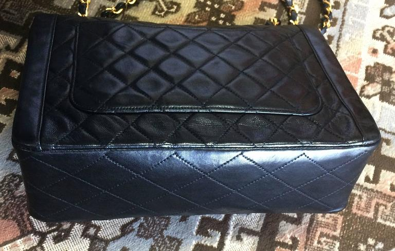 Vintage Chanel black lambskin chain shoulder 2.55 shoulder bag, pentagon flap For Sale 1