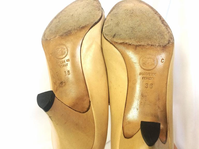 Vintage CHANEL beige and black leather shoes, classic pumps.  EU 36, US5.5.  10