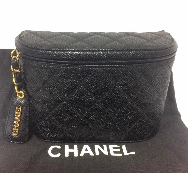 Black MINT. Vintage CHANEL black caviar leather purse pouch. Can be waist bag. For Sale