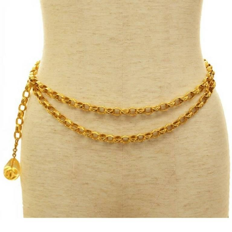 MINT.Vintage CHANEL double strand golden chain belt with CC teardrop charm. 2