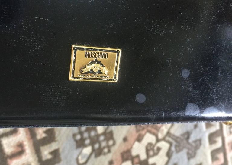 Vintage MOSCHINO white, black, brown patent enamel bag with heart motif. RedWall For Sale 3