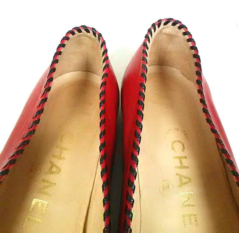 Vintage CHANEL lipstick red calfskin leather flat pump shoes with black stitches 5
