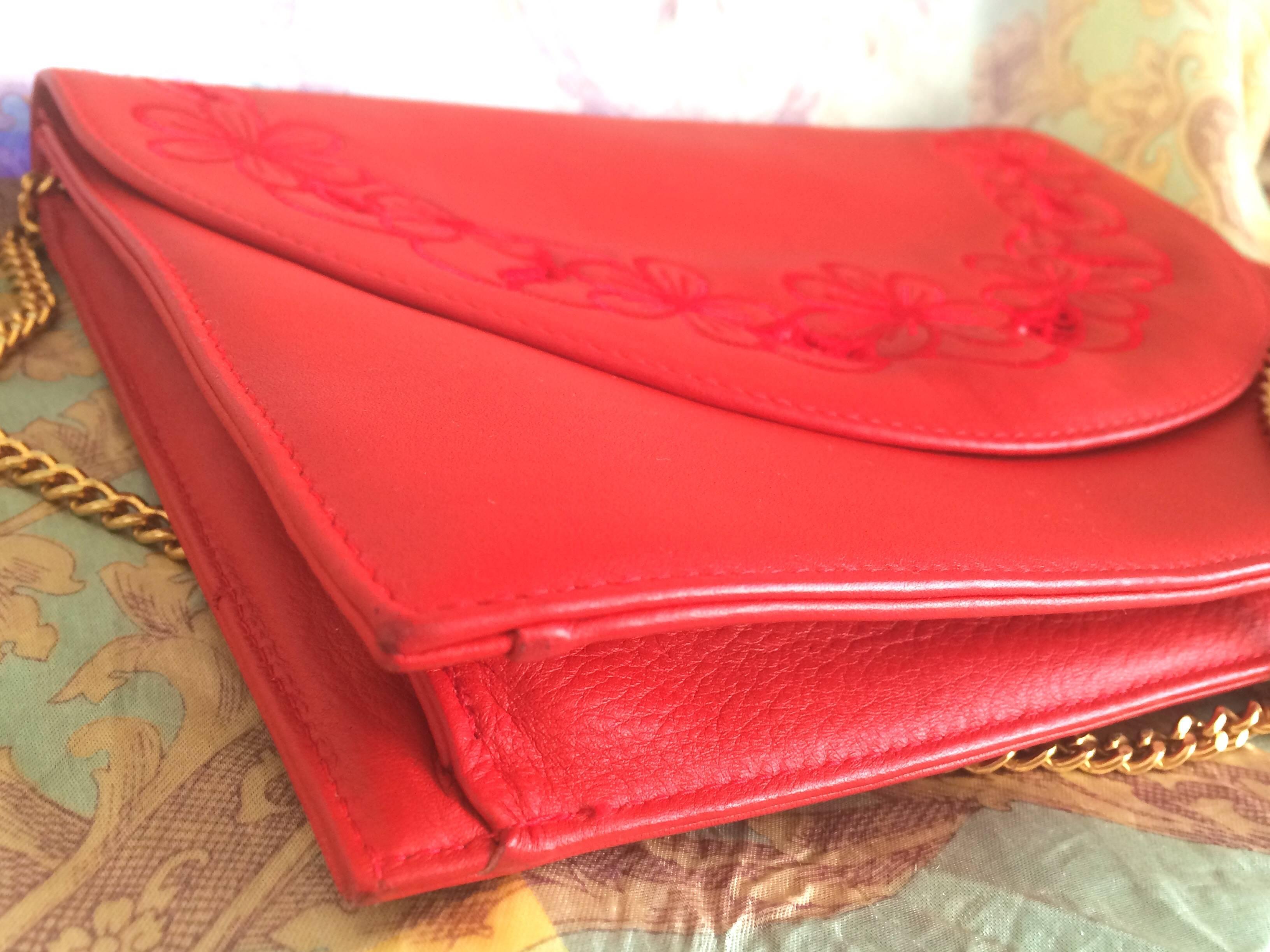 Valentino Vintage Valentino Garavani Red Clutch Shoulder Bag With Flower Embroidery Deco vgthBW