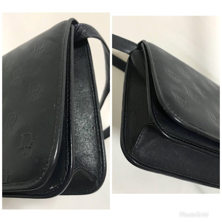 Vintage Christian Dior navy leather clutch purse, shoulder bag.  In Excellent Condition For Sale In Kashiwa, Chiba