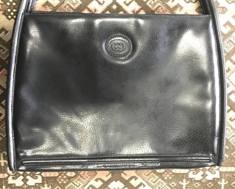 Gucci Vintage Gucci Black Pigskin Large Trapezoid Shape Shoulder Bag With Embossed Gg TD1Nbv2n