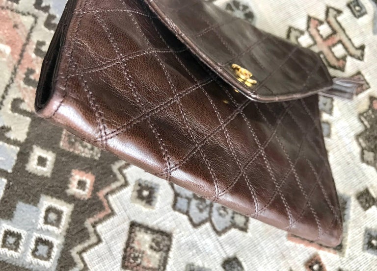 Vintage CHANEL brown clutch bag, wallet, bill, checkbook, iPhone case purse.  For Sale 1