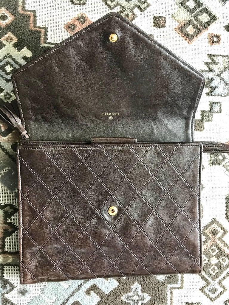 Vintage CHANEL brown clutch bag, wallet, bill, checkbook, iPhone case purse.  For Sale 3