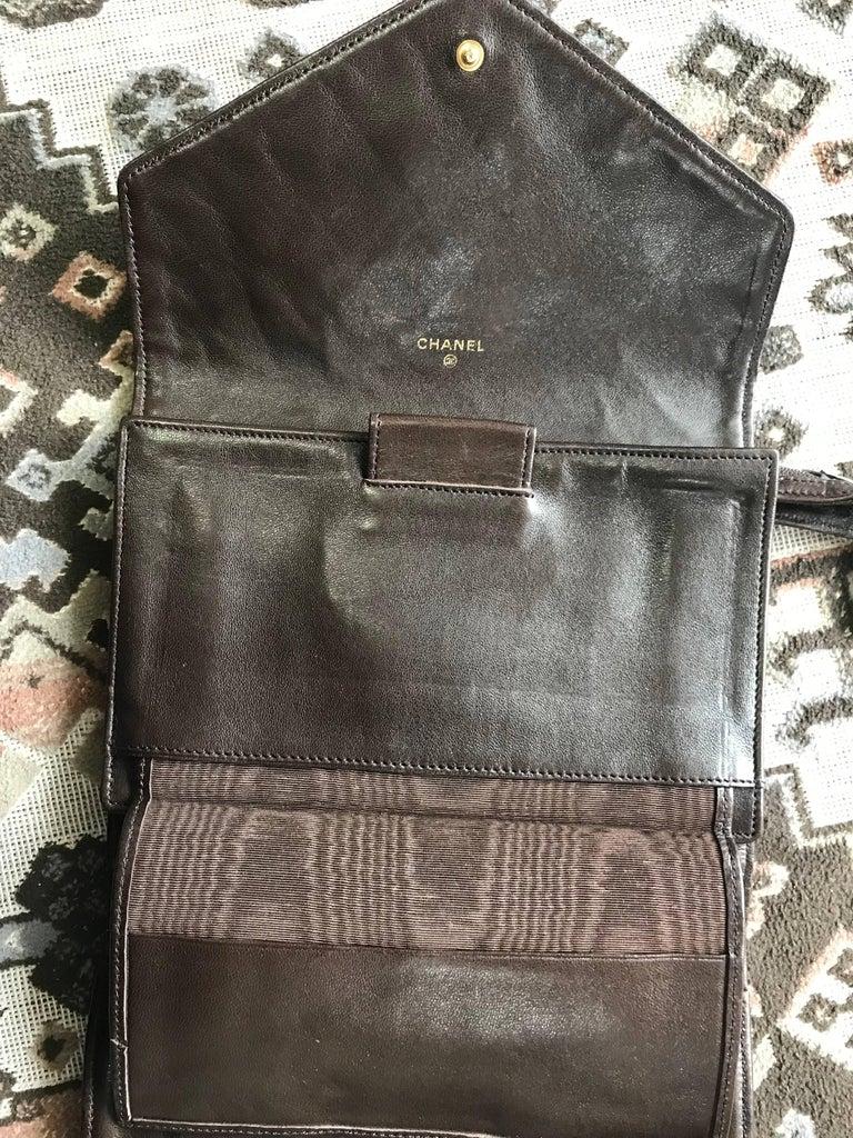 Vintage CHANEL brown clutch bag, wallet, bill, checkbook, iPhone case purse.  For Sale 4