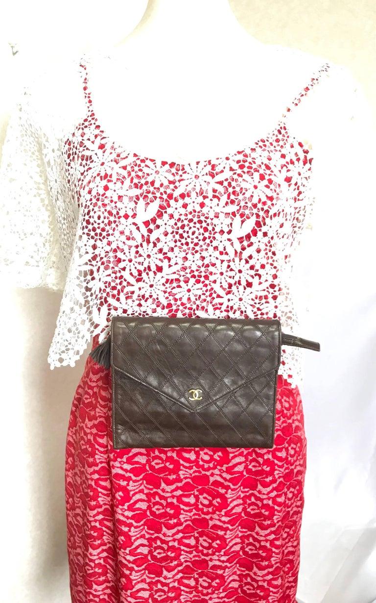 Vintage CHANEL brown clutch bag, wallet, bill, checkbook, iPhone case purse.  For Sale 14