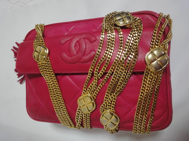 Vintage CHANEL pink lambskin camera bag style jewelry chain shoulder bag. 9