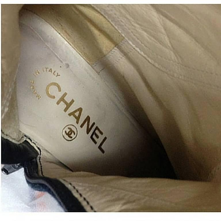 MINT. Vintage CHANEL mid high, black leather and denim combination long boots For Sale 1