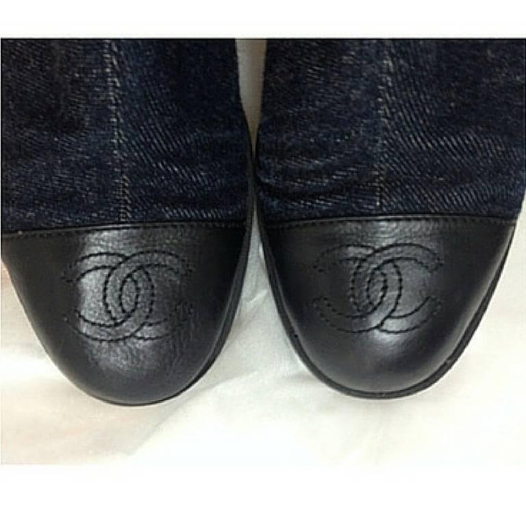 Gray MINT. Vintage CHANEL mid high, black leather and denim combination long boots For Sale