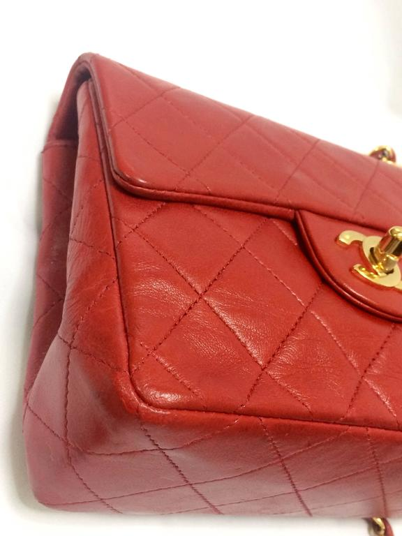 Vintage CHANEL lipstick red lambskin purse with golden CC and chain strap. For Sale 2