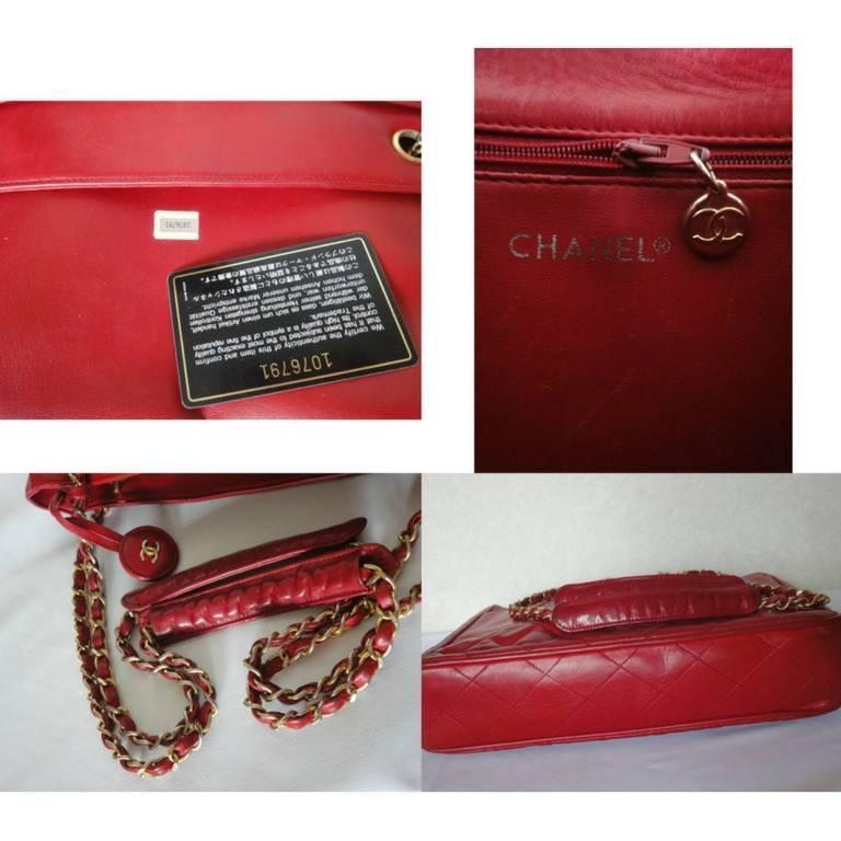 Vintage CHANEL red calfskin classic shoulder tote bag with gold tone chains For Sale 4
