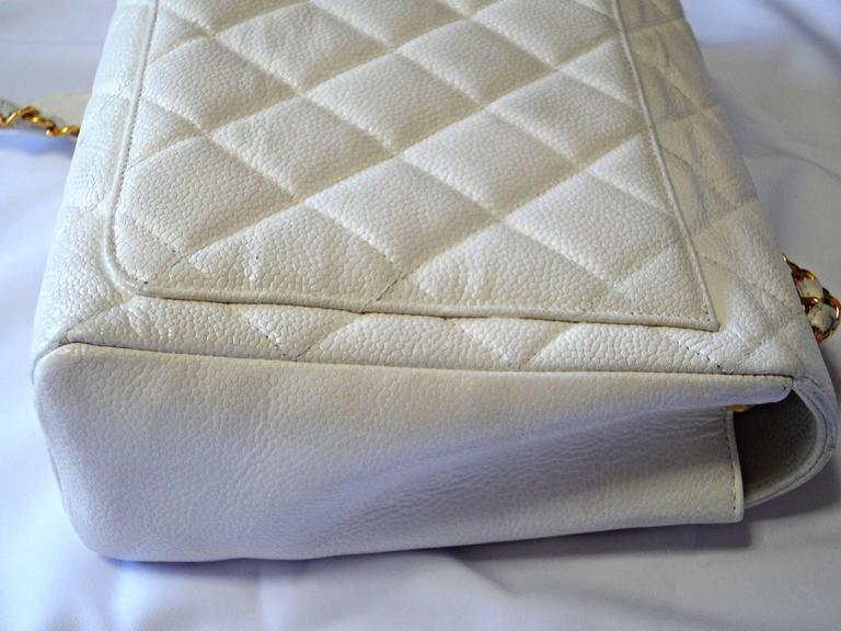 Vintage Chanel classic 2.55 white caviar leather square shape chain shoulder bag 5