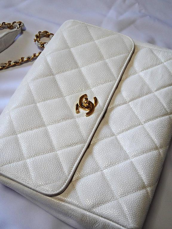 Vintage Chanel classic 2.55 white caviar leather square shape chain shoulder bag 3
