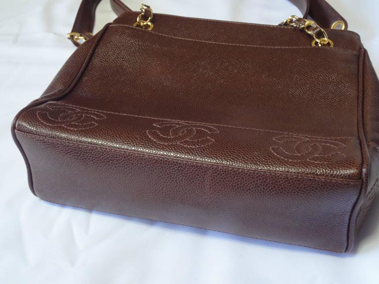MINT. Vintage CHANEL dark brown caviar shoulder bag, tote bag with CC mark. 3