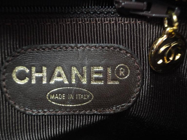 MINT. Vintage CHANEL dark brown caviar shoulder bag, tote bag with CC mark. For Sale 1