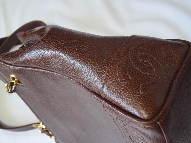 MINT. Vintage CHANEL dark brown caviar shoulder bag, tote bag with CC mark. 5