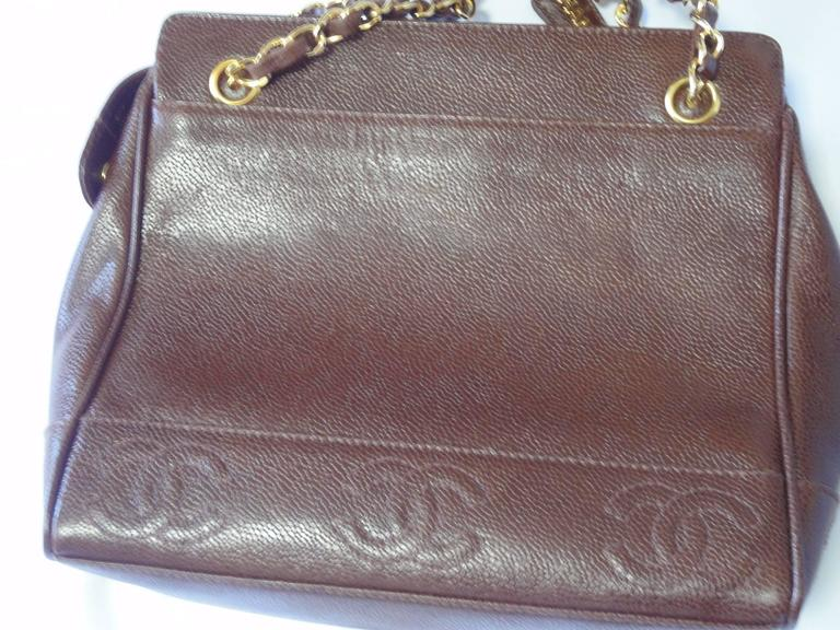 MINT. Vintage CHANEL dark brown caviar shoulder bag, tote bag with CC mark. 4