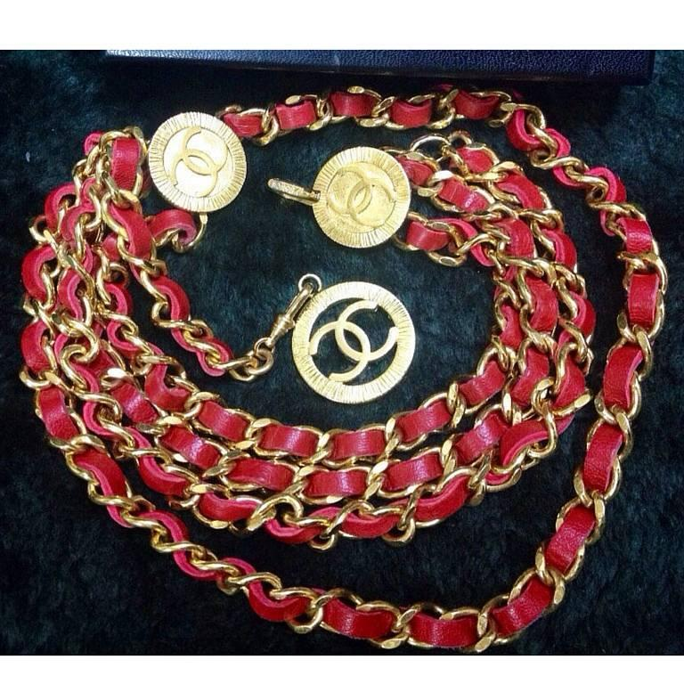 Mint. 80's Vintage CHANEL red leather chain belt with golden CC charms.  3