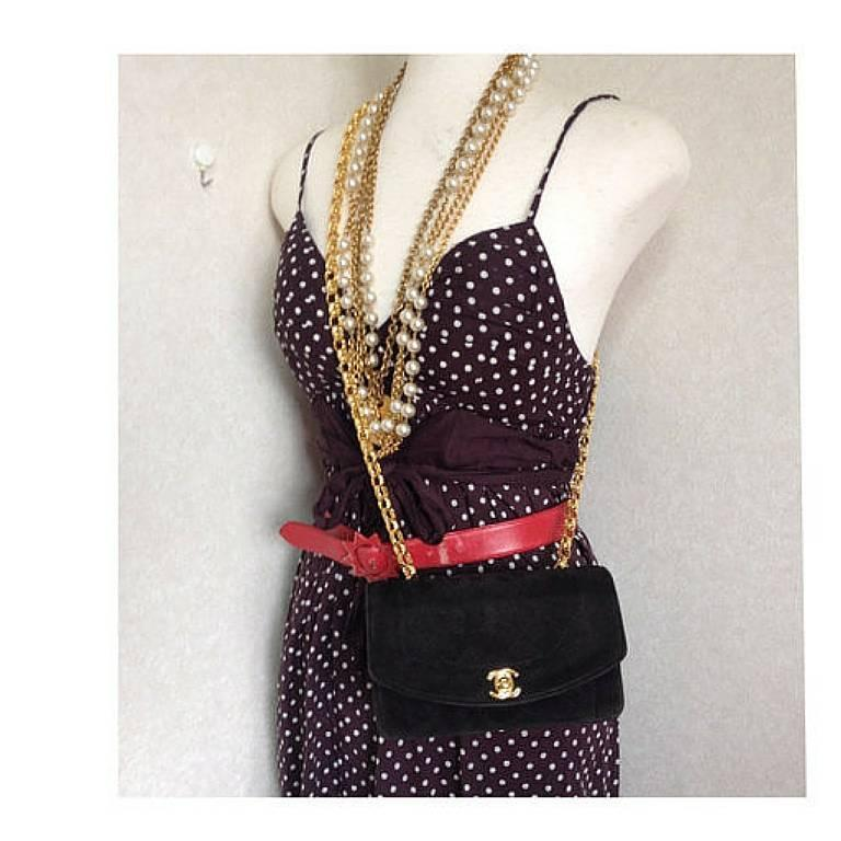 Vintage CHANEL charcoal black suede leather classic 2.55 shoulder gold chain bag For Sale 5
