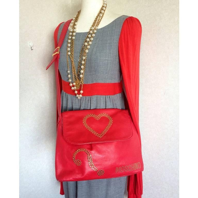 Vintage MOSCHINO red leather messenger shoulder bag with question mark, heart  5