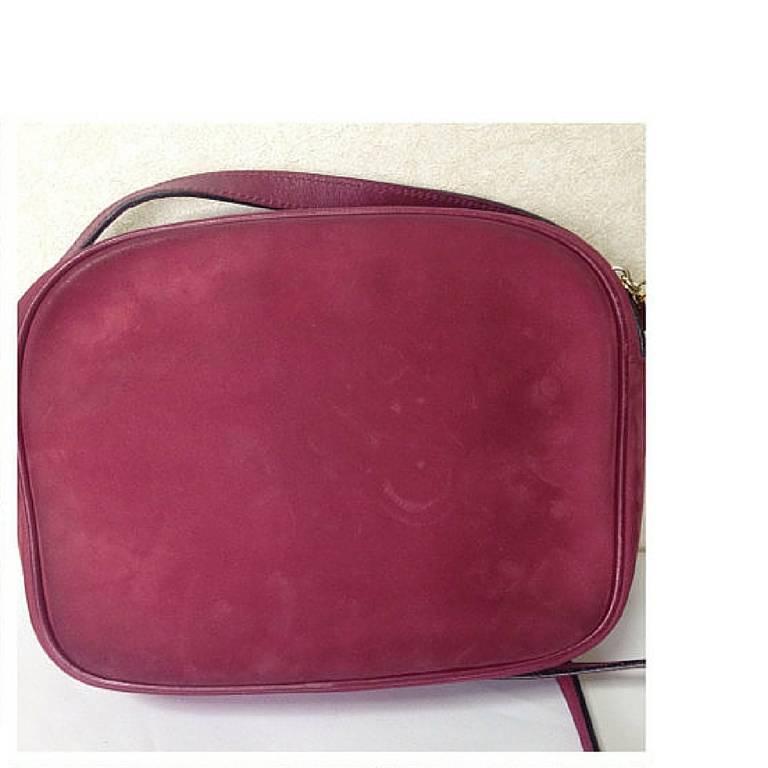 Vintage Salvatore Ferragamo vara motif wine, purple suede leather shoulder bag. In Good Condition For Sale In Kashiwa, Chiba