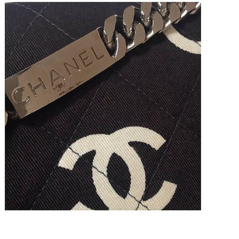 Women's Vintage CHANEL black fabric canvas chain handbag with white Chanel cc logo print For Sale