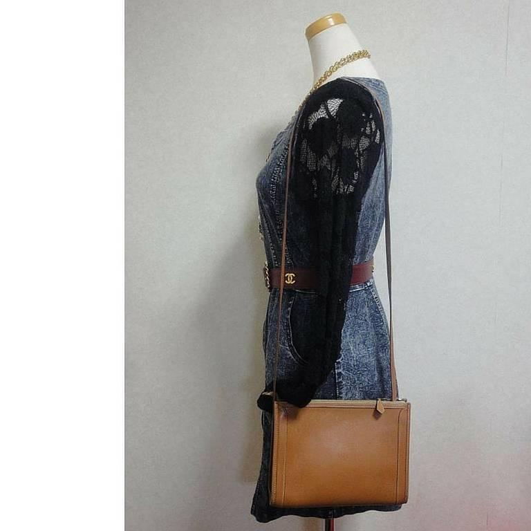 80's vintage HERMES tanned brown, courchevel leather, shoulder bag, clutch purse For Sale 5