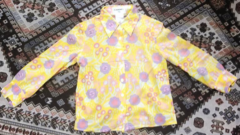 Vintage CHANEL yellow, pink, orange, etc floral print cotton blouse, shirt. 34 For Sale 4