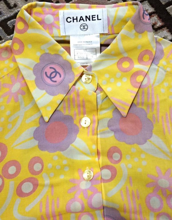 Women's Vintage CHANEL yellow, pink, orange, etc floral print cotton blouse, shirt. 34 For Sale