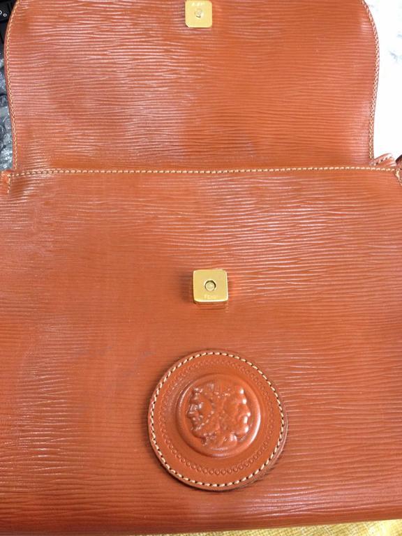 Orange Vintage FENDI brown epi leather messenger bag, shoulder purse with iconic logo For Sale