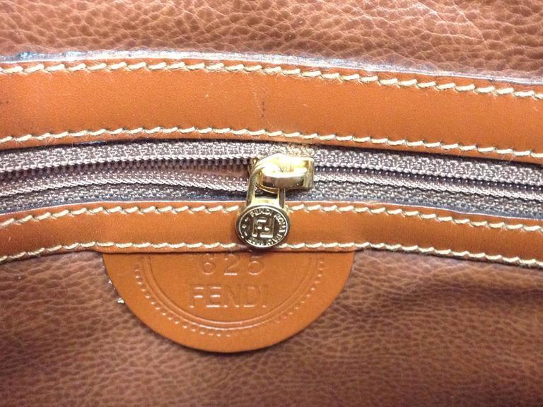 Vintage FENDI brown epi leather messenger bag, shoulder purse with iconic logo For Sale 3
