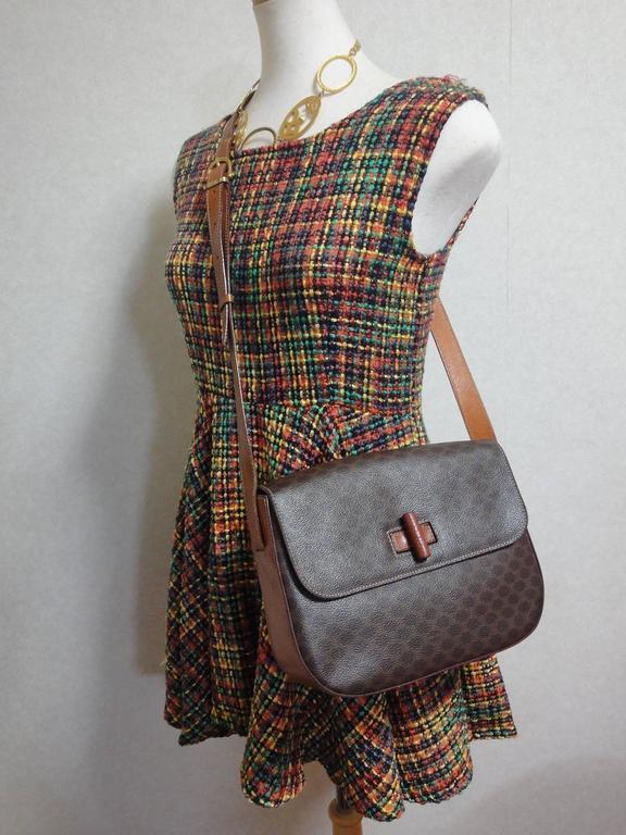 Vintage CELINE dark brown and brown macadam blason pattern shoulder bag 10
