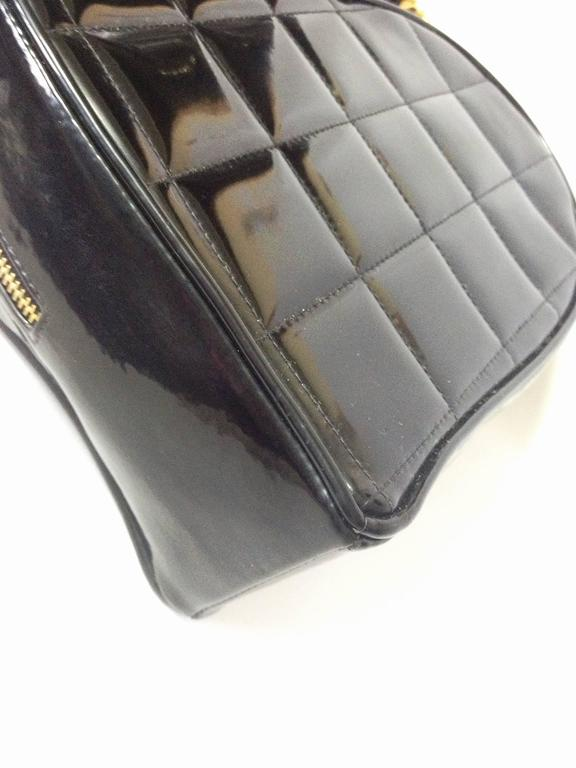 Vintage CHANEL black patent enamel quilted leather large heart shape handbag 6